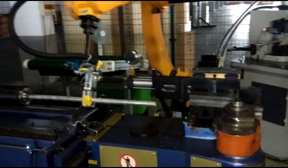 公司新的自动化生产项目调试成功