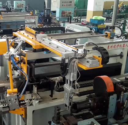 Video of Loading and unloading machine (3-axis servo) for Tube Bender