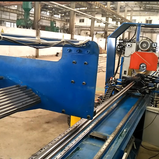 Non standard customized automatic pipe cutting machine production line (single p