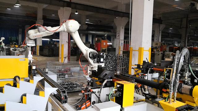 的弯管机自主创新发展实现自动上下料