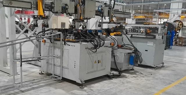 U形管实现自动化生产
